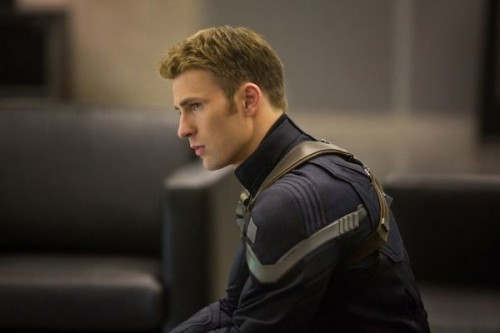 """*************** 2014 SPRING MOVIE SNEAKS FOR JANUARY 12, 2014. DO NOT USE PRIOR TO PUBLICATION.******  From the movie """"Marvel's Captain America: The Winter Soldier"""" Captain America/Steve Rogers (Chris Evans) Ph: Zade Rosenthal © 2014 Marvel.  All Rights Reserved."""